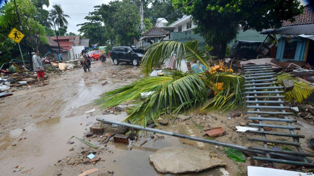 إندونيسيا تعلن ارتفاع حصيلة ضحايا الزلزال إلى 77 قتيلا