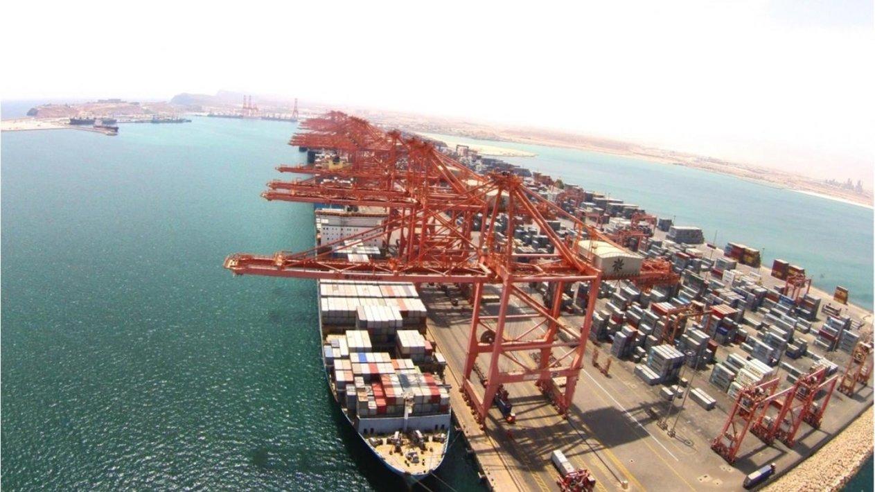 ميناء دمياط يستقبل 12 سفينة للحاويات والبضائع العامة خلال 24 ساعة