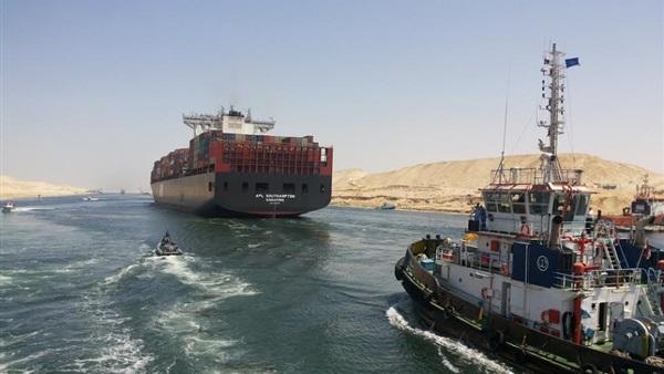 عبور 53 سفينة المجرى الملاحي لقناة السويس