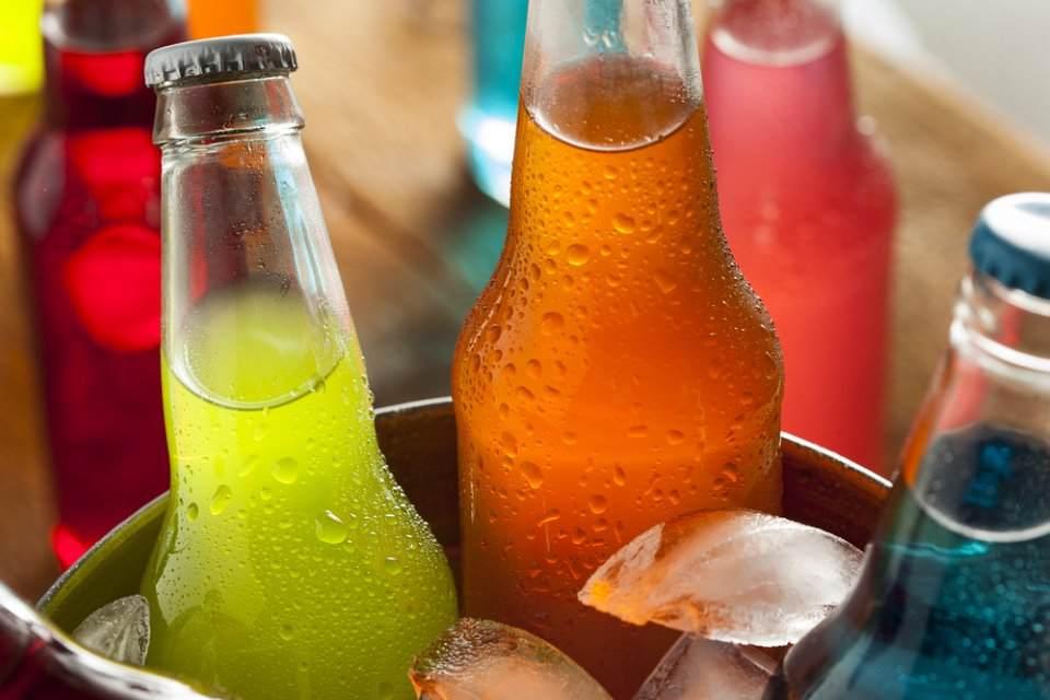 دراسة تربط بين المشروبات السكرية وأمراض الكلى