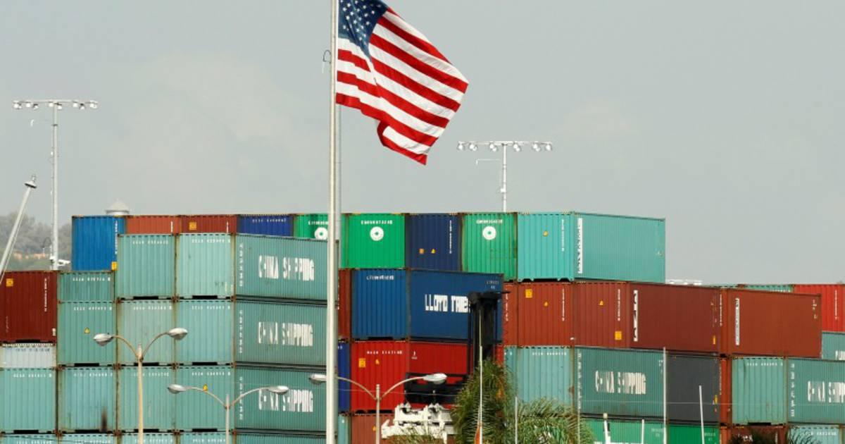 العجز التجاري الأمريكي يرتفع في أكتوبر لأعلى مستوى في 10 سنوات