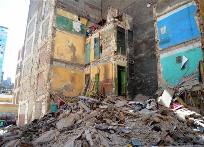 انهيار عقار مكون من 3 طوابق بالإسكندرية دون وقوع ضحايا أو إصابات