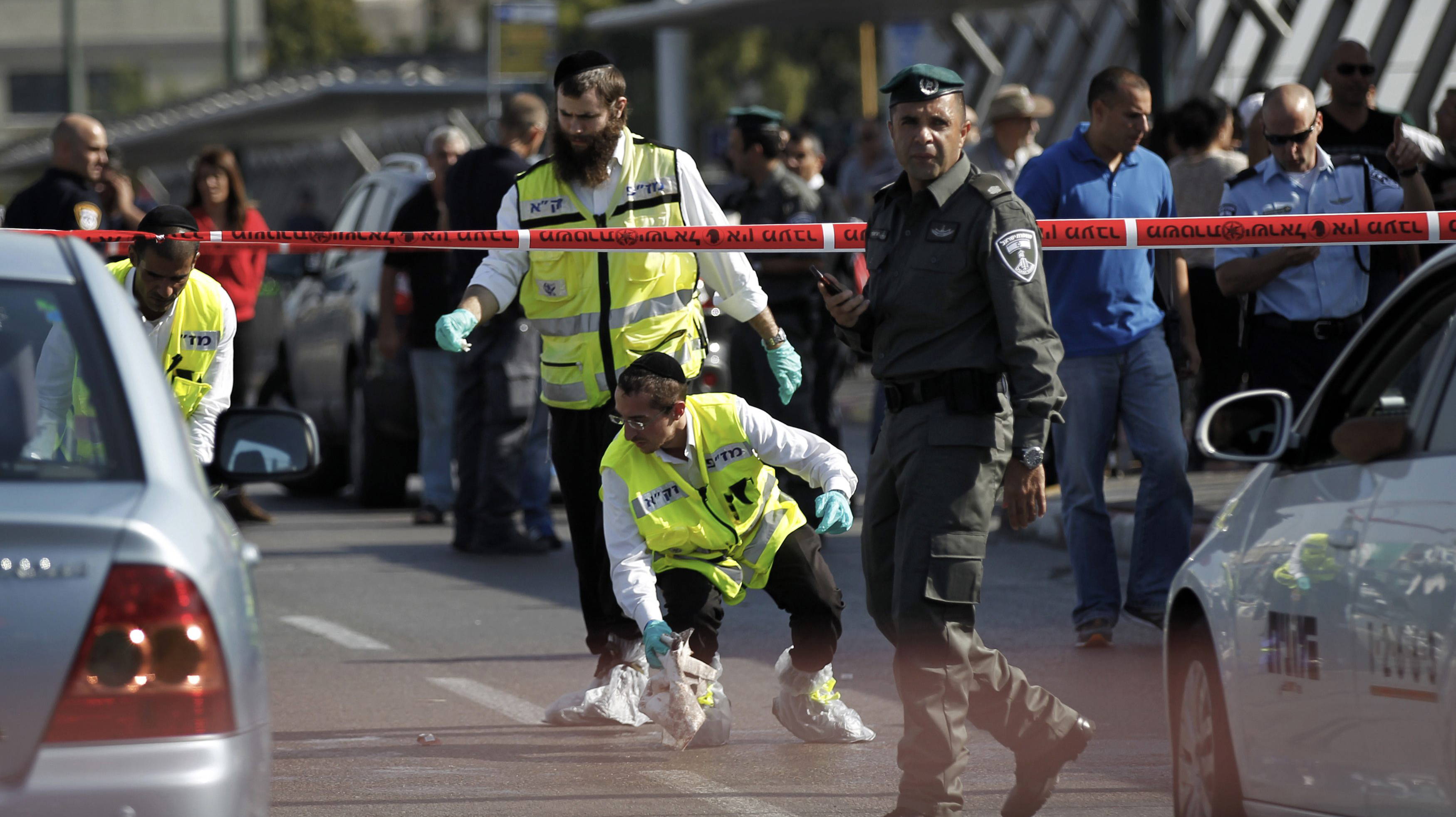 مقتل جنديين إسرائيليين وإصابة آخرين في إطلاق نار شرق رام الله