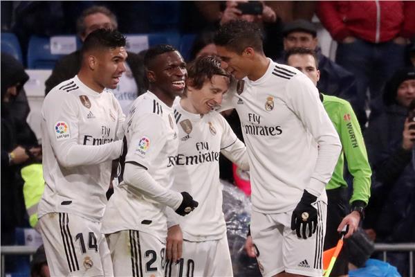ريال مدريد يفوز على إشبيلية ويصعد للمركز الثالث