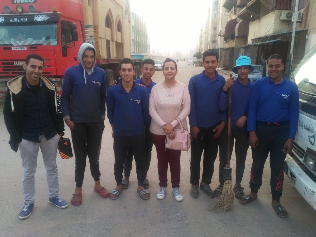 صور | شباب بورسعيد يطلقون مبادرة « هانضف بلدنا »
