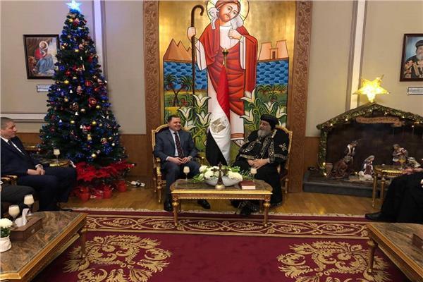 صور | وزير الداخلية يزور البابا تواضروس الثاني لتهنئته بـ عيد الميلاد المجيد