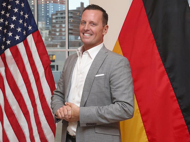 السفير الأمريكي لدى ألمانيا يحذر الشركات المشاركة في إنشاء خط الغاز نورد ستريم 2