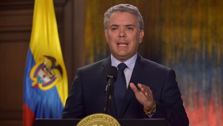 الرئيس الكولومبي يبحث مع وزير الخارجية الإماراتي تعزيز العلاقات الثنائية