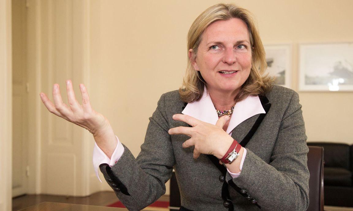 وزيرة الخارجية النمساوية تشيد بقرار تغيير اسم مقدونيا إلى جمهورية مقدونيا الشمالية