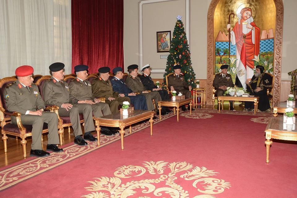 صور | وزير الدفاع ورئيس الأركان يهنئان البابا تواضروس بعيد الميلاد المجيد