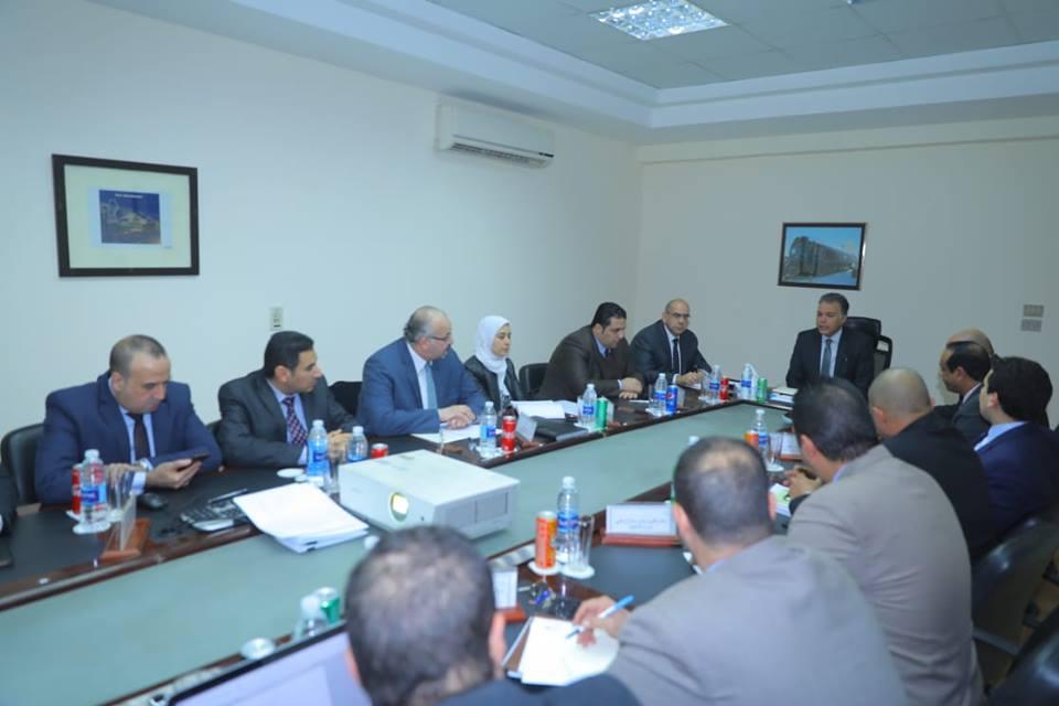 صور | وزير النقل يترأس إجتماع لجنة إعداد قانون تنظيم خدمات النقل البري