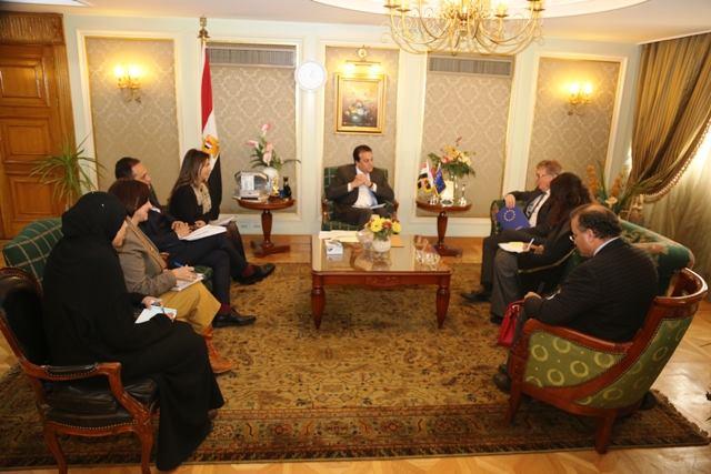 صور | وزير التعليم العالي يبحث مع سفير الاتحاد الأوروبي سبل تعزيز التعاون المشترك