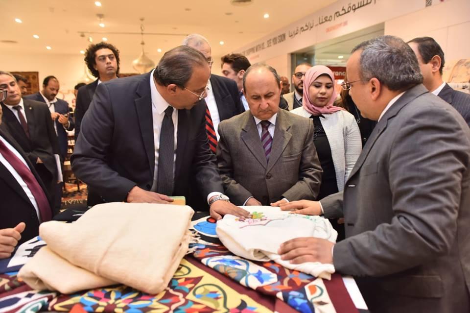 «نصار» : حريصون على تشجيع الحرف والصناعات اليدوية والتراثية ذات الهوية المصرية