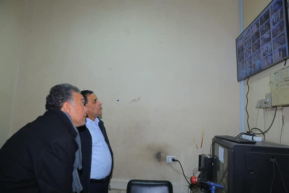 صور | وزير النقل يتابع تشغيل منظومة المراقبة بالكاميرات لمحطة الجيزة
