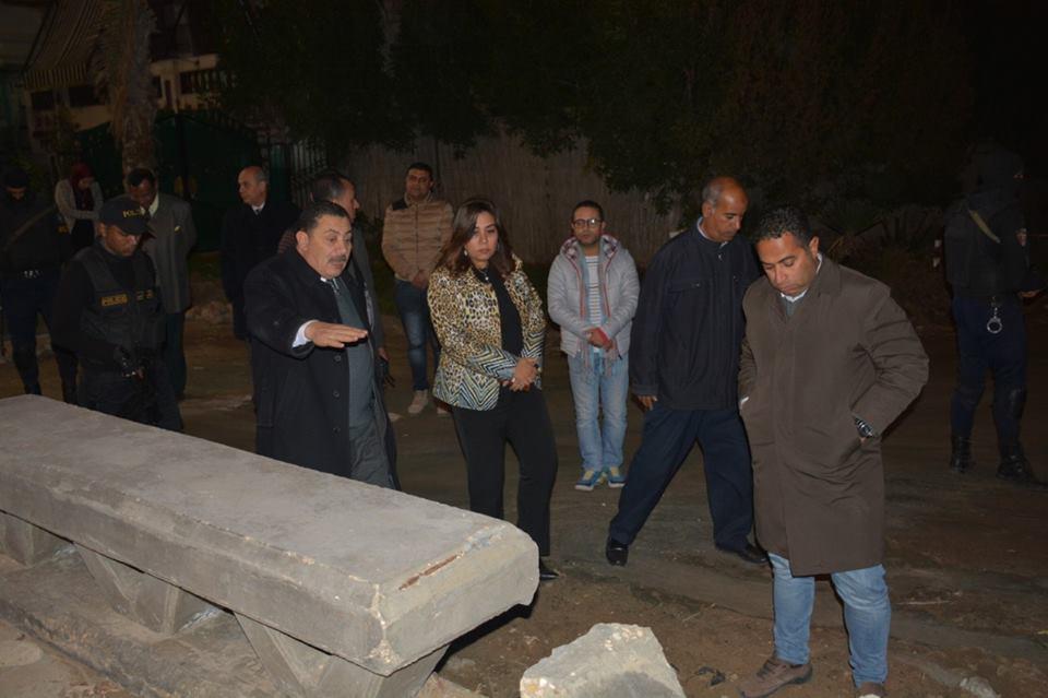 صور | محافظ دمياط تتفقد أعمال تطوير ورفع كفاءة شارع 77 في مدينة رأس البر