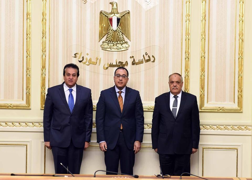 صور   رئيس الوزراء يشهد مراسم توقيع بروتوكول تعاون بين التعليم العالى والعربية للتصنيع