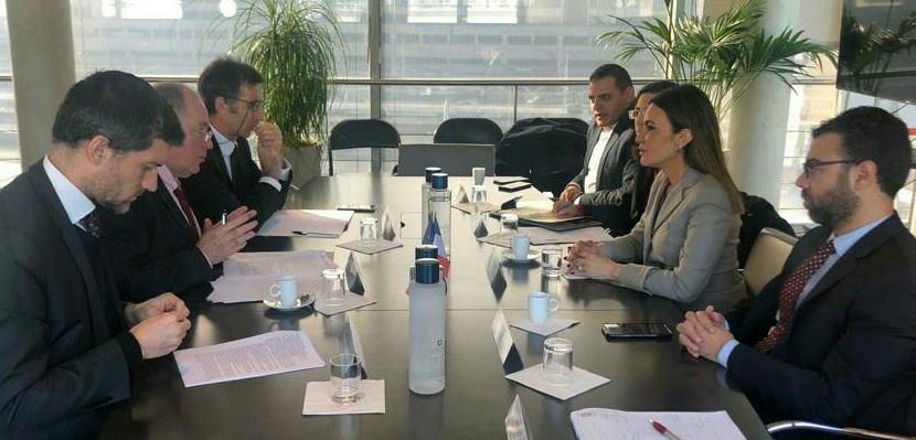 وزيرة الاستثمار تتفق مع الوكالة الفرنسية للتنمية على شراكة استراتيجية جديدة