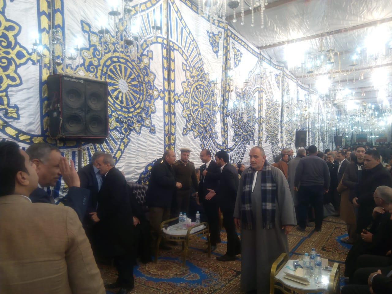 صور | سعد الدين ورشاد والسجيني يحضرون عزاء والدة النائب مصطفى الكمار