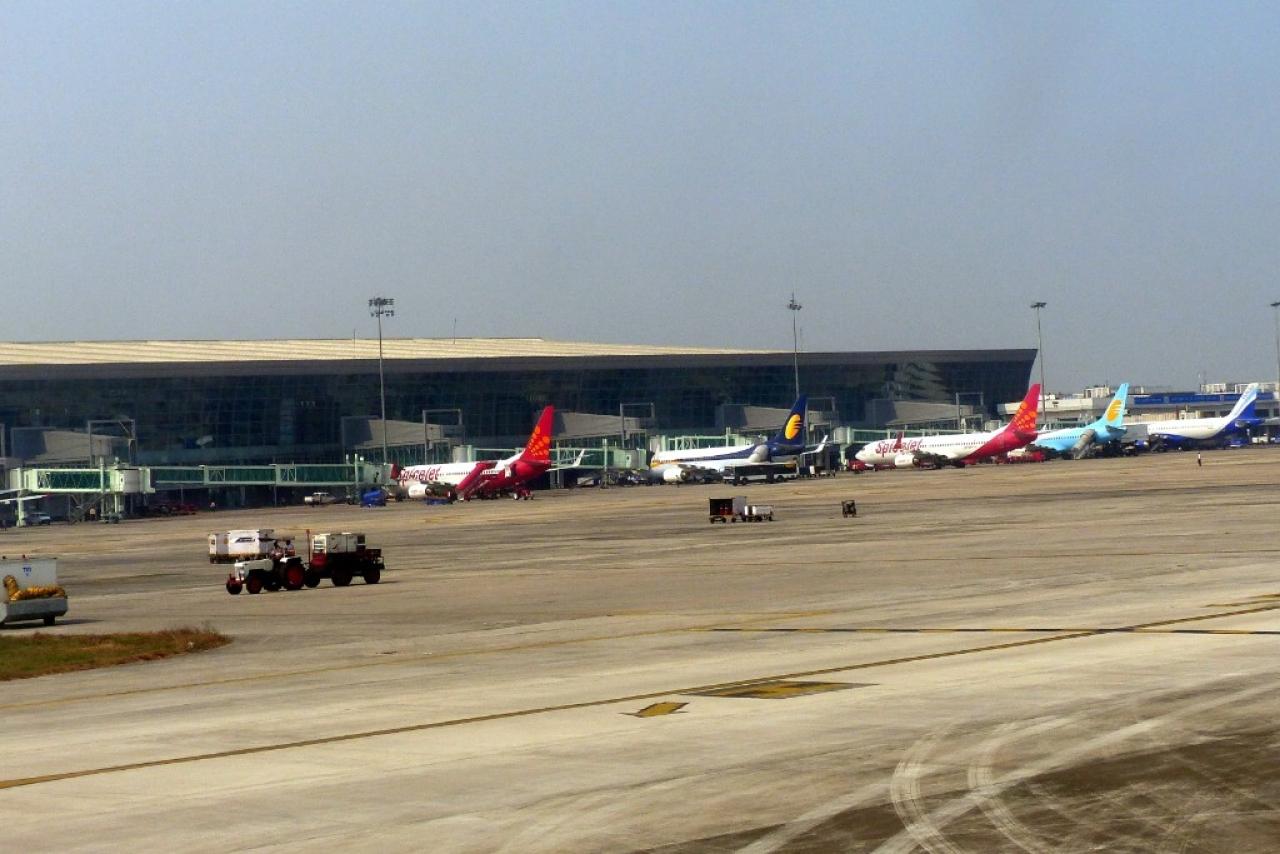 الهند: إعلان الطوارئ بمطار كولكاتا بعد تسرب الوقود من إحدى الطائرات