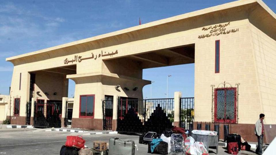 السلطة الفلسطينية تقرر سحب كافة موظفيها من معبر رفح ابتداء من الغد