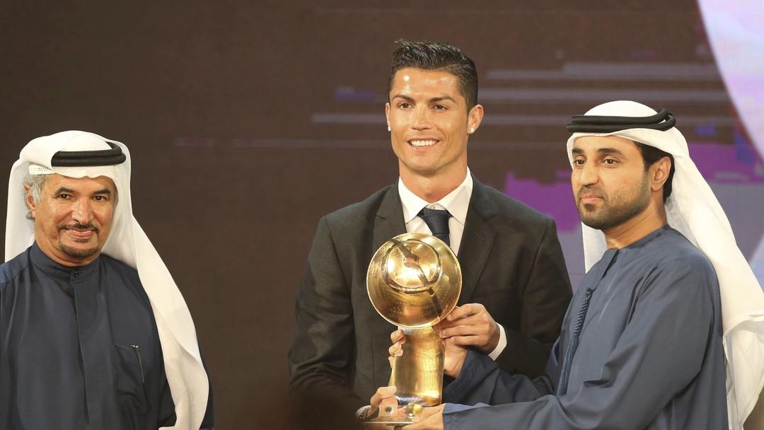 رونالدو أفضل لاعب في العالم في حفل جلوب سوكر في دبي