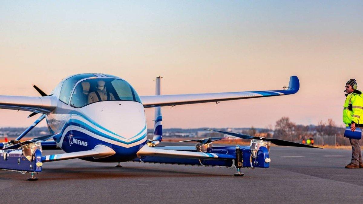 """شركة """" بوينج """" تجرب أولى سياراتها الطائرة في سماء فيرجينيا"""
