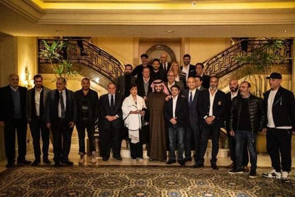 صور| تفاصيل لقاء تركي آل الشيخ مع نخبة من الفنانين المصريين