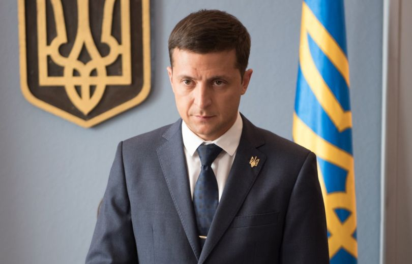 """""""واشنطن بوست"""": فنان كوميدي قد يفوز بالسباق الرئاسي في أوكرانيا"""