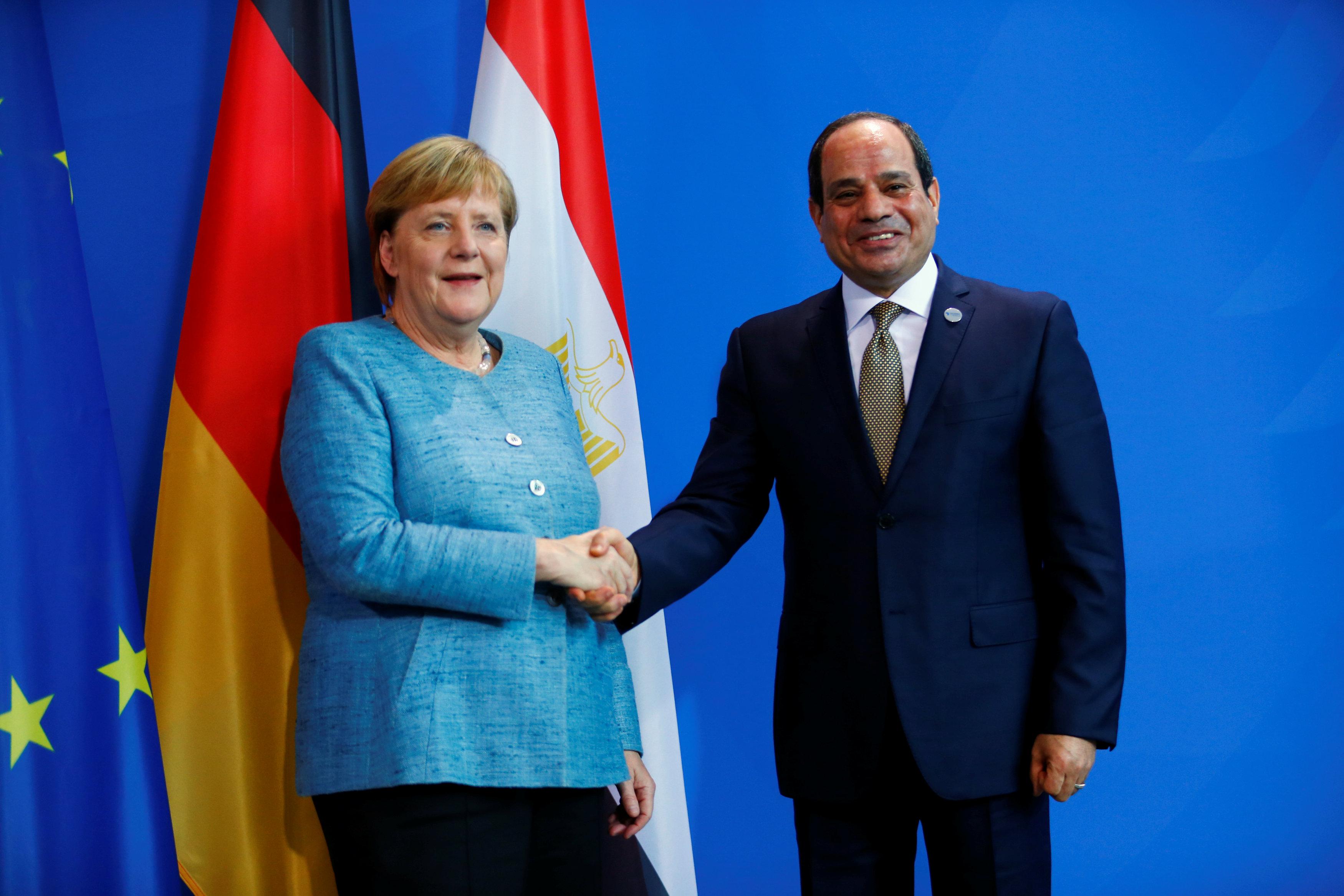 الرئيس السيسي يلتقي المستشارة الألمانية على هامش مؤتمر ميونخ للأمن