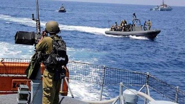 بحرية الاحتلال الاسرائيلى تستهدف مراكب الصيد الفلسطينية قبالة غزة