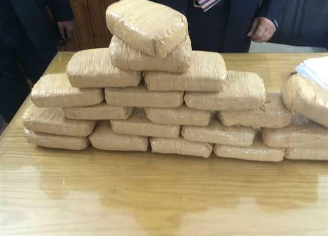 ضبط 8 كيلو جرام من مخدر الهيروين بالقاهرة