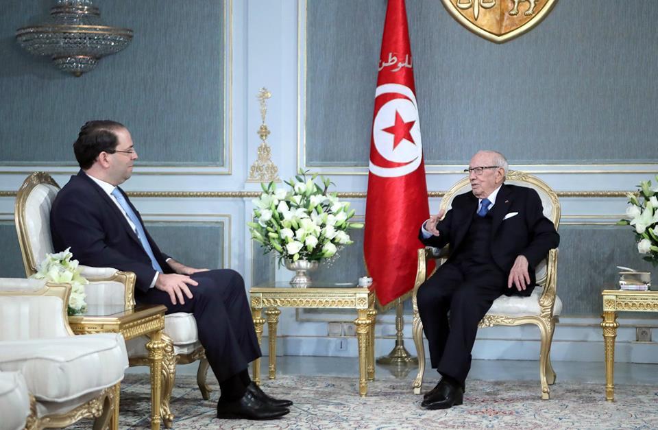 الرئيس التونسي يبحث مع رئيس الحكومة الاستعدادات لاستضافة القمة العربية