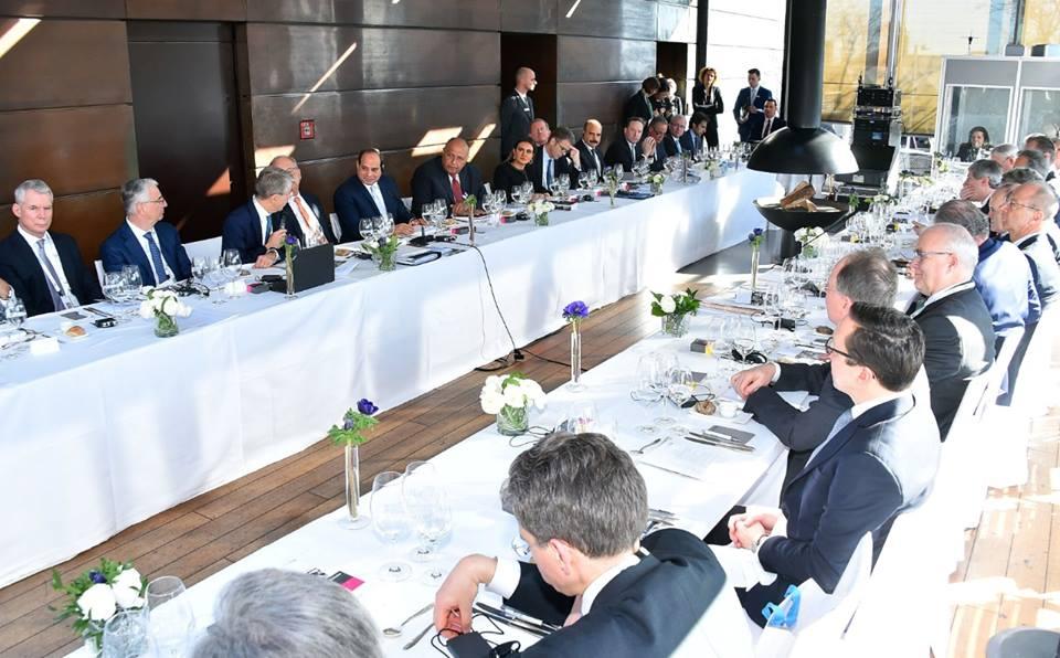 الرئيس السيسي يشارك فى غداء عمل بميونخ ويستعرض الإنجازات الاقتصادية بمصر