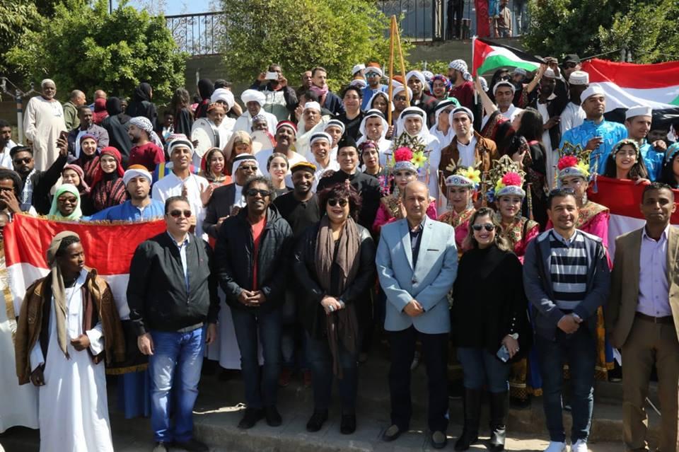 صور | 16 دولة تحتفل برئاسة مصر للاتحاد الإفريقي بحضور وزيرة الثقافة في أسوان