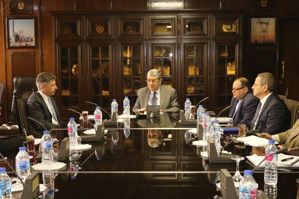 وزير الكهرباء : مصر تستكمل إجراءات تنفيذ مشروع الربط الكهربائي الثلاثي