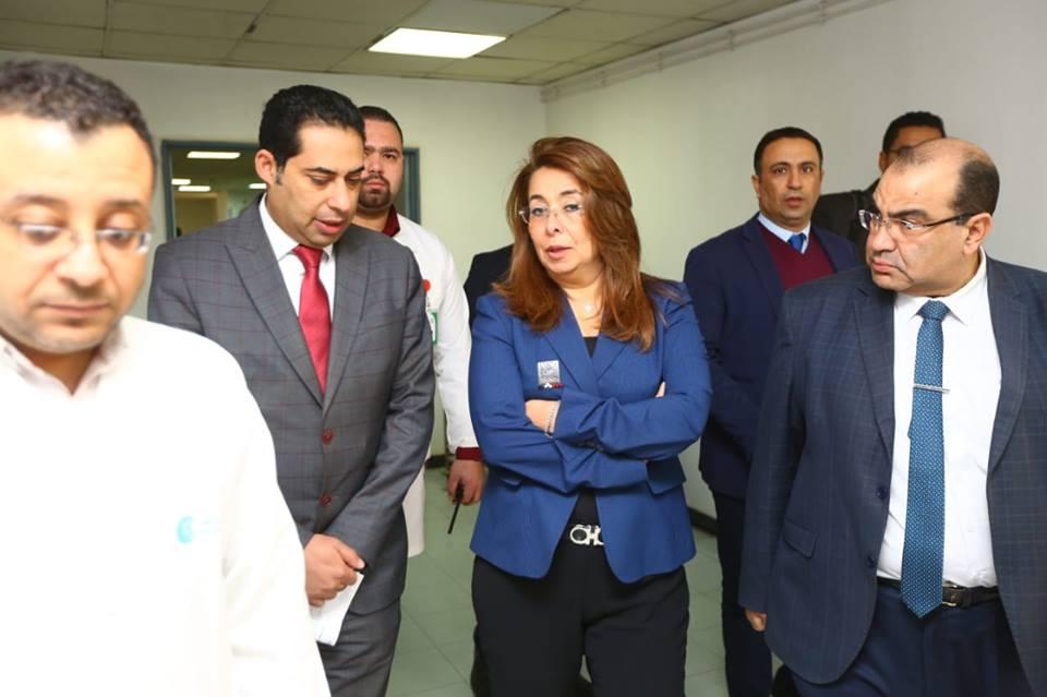 صور | وزير التضامن تزور مصابي حادث قطار محطة مصر في مستشفى معهد ناصر