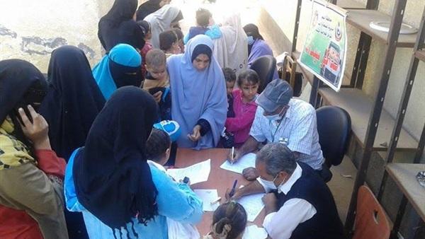 توقيع الكشف الطبي على 246 مواطنا برأس سدر