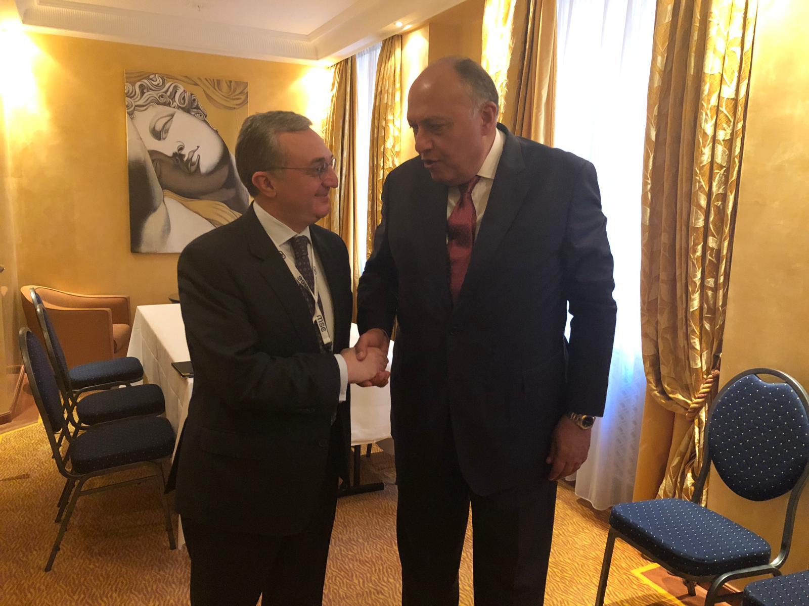 وزير الخارجية يبحث نظيره الأرميني سبل التعاون على هامش مؤتمر ميونخ للأمن