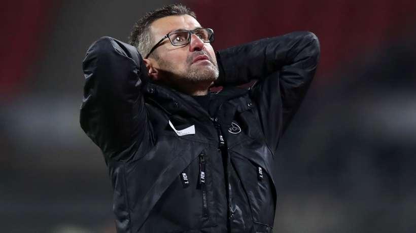 نورمبرغ صاحب المركز الأخير بالدوري الألماني يقيل مدربه كولنر والمدير الرياضي