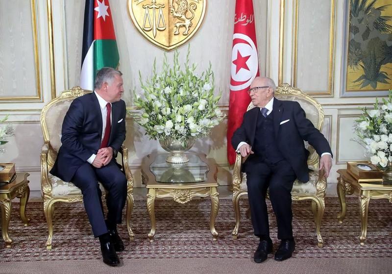 الرئيس التونسي يبحث مع العاهل الأردني آخر الاستعدادات لاستضافة القمة العربية