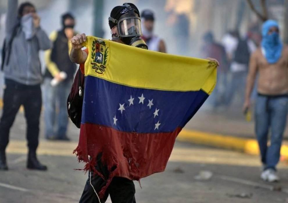 الاتحاد الأوروبي يحذر من تبني الخيار العسكري تجاه الأزمة الفنزويلية