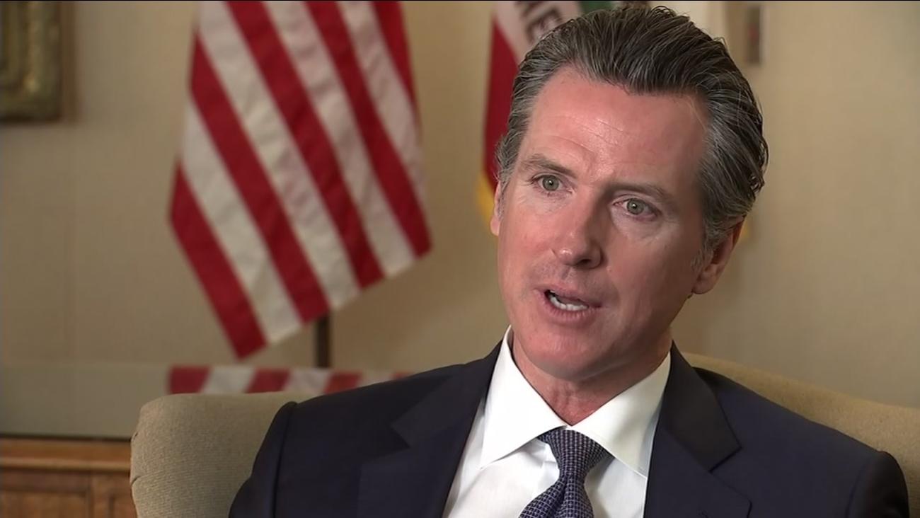 أمريكا : حاكم كاليفورنيا يعلن حال الطوارئ لحماية مناطق معرضة للحرائق
