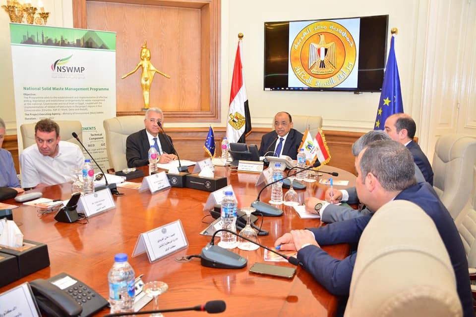 صور | وزير التنمية المحلية يعلن اختتام الندوة الدولية المهمة لإدارة المخلفات الصلبة