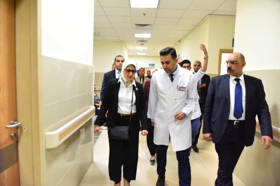 صور | وزيرة الصحة تؤكد على جاهزية مستشفي «أسوان التخصصي» لاستقبال اى حالات مرضية