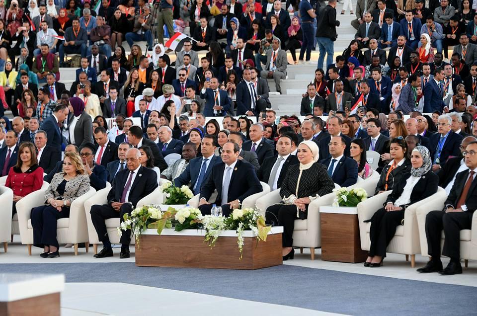 افتتاح الرئيس السيسي ملتقى الشباب العربي والأفريقي يتصدر عناوين الصحف