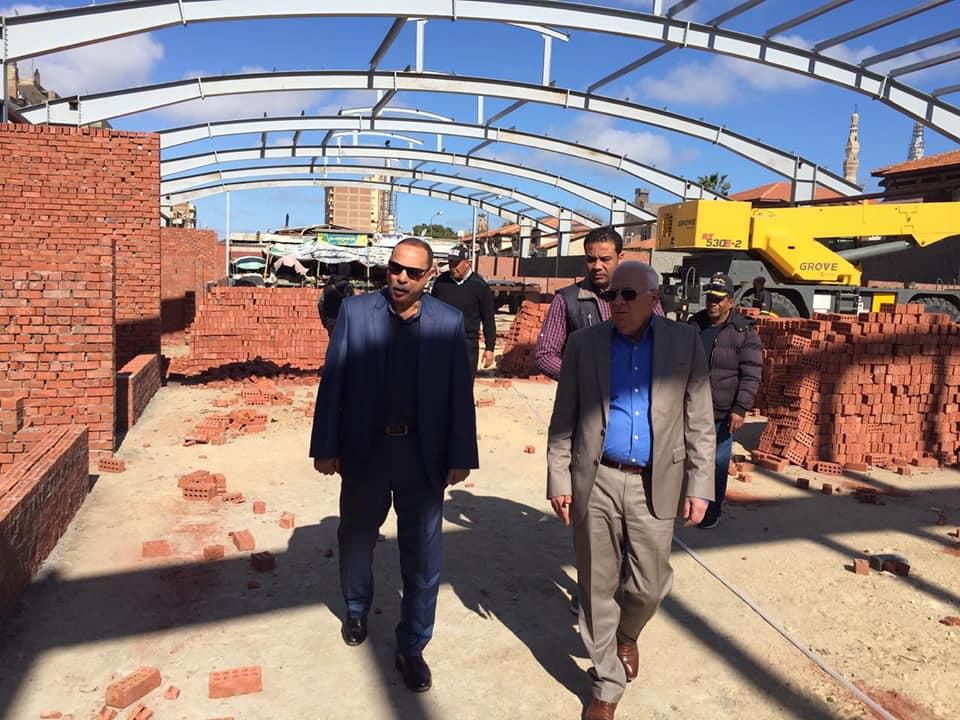 صور   محافظ بورسعيد يشدد على الالتزام بمواعيد الانتهاء من اعمال انشاء السوق الجديد
