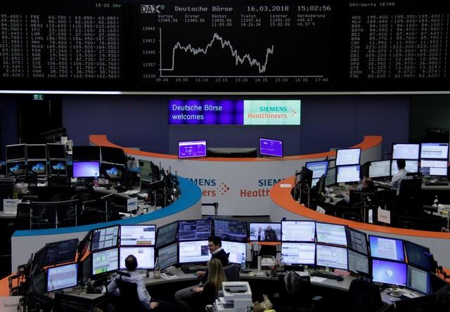 الأسهم الأوروبية تتراجع والمخاوف من موجة جديدة للفيروس تسيطر على المستثمرين