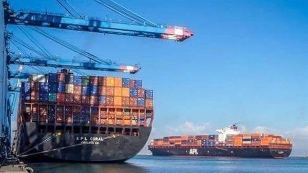 إجمالي حركة السفن بموانئ بورسعيد تسجل 22 سفينة