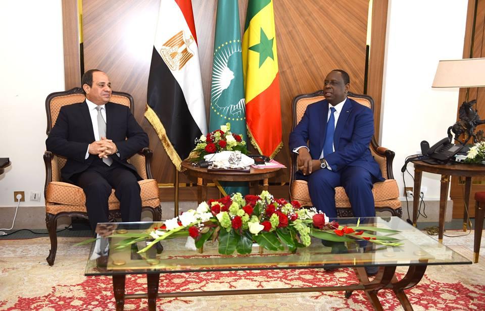 صور  | الرئيس السيسي يعقد مباحثات ثنائية مع نظيرة السنغالى بداكار