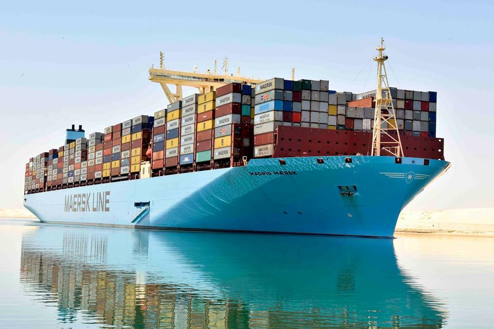عبور 45 سفينة قناة السويس اليوم بحمولة 2.7 مليون طن